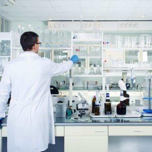 Estudiar curso de auxiliar de laboratorio